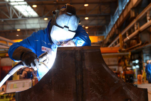 Un technicien STX